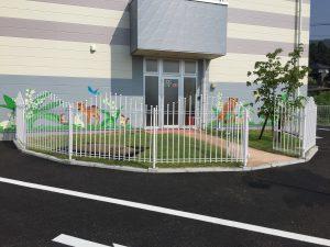 病院の植栽、フェンス工事